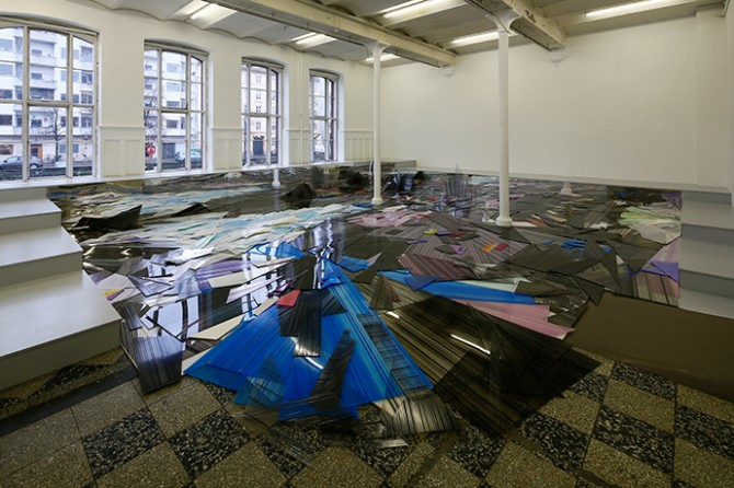 Between the Past and the Coming (Eismeer), 2015. Installation view. Acrylic board, acrylic mirror board, radiant acrylic board, wood. 10m x 8,62m x 0,80m. Photo by Anders Sune Berg. Courtesy of Overgaden – Institute of Contemporary Art, Copenhagen, Denmark. All rights reserved.