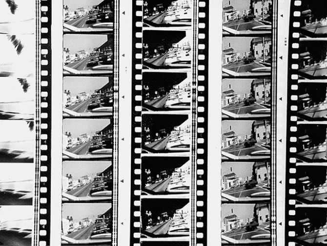 Peter Tscherkassky, still from Get Ready, 1999, 35 mm CinemaScope. b/w, 1:04 min. Music: Kiawasch Saheb Nassagh. Get Ready was the official trailer of the International Film Festival