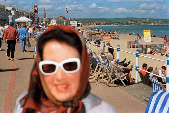 From Think of England, Weymouth, England, 1995–99 © Martin Parr / Magnum Photos. Used here by kind permission from Fotografiska. All rights reserved.