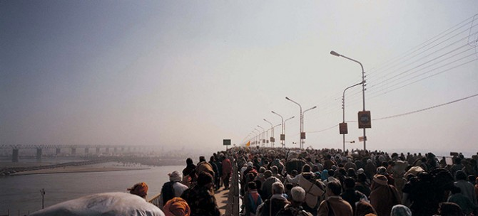 Armin Linke, Maha Kumbh Mela. Image © ZKM | Center for Art and Media, 2015. Used here by kind permission from ZKM | Center for Art and Media. All rights reserved.