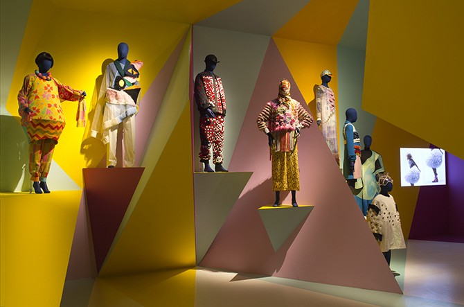 Craft and Colour gallery. From the left, Utopian Bodies specially arranged ensemble featuring pieces by Gudrun Sjödén and Walter Van Beirendonck's Explicit Beauty (2015), ensemble by British KTZ (2015) and Manon Kundig's Bowerbird from 2012. Photo: Mattias Lindbäck. Image courtesy of Liljevalchs. Used here by kind permission. All rights reserved.