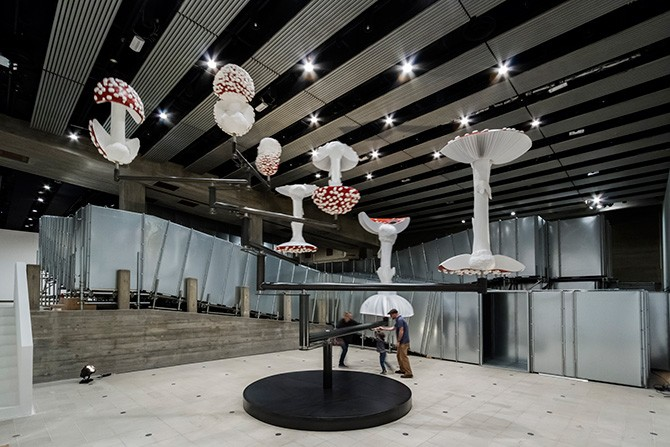 Carsten Höller, Flying Mushrooms, 2015. Courtesy of the artist. Photo © Linda Nylind.